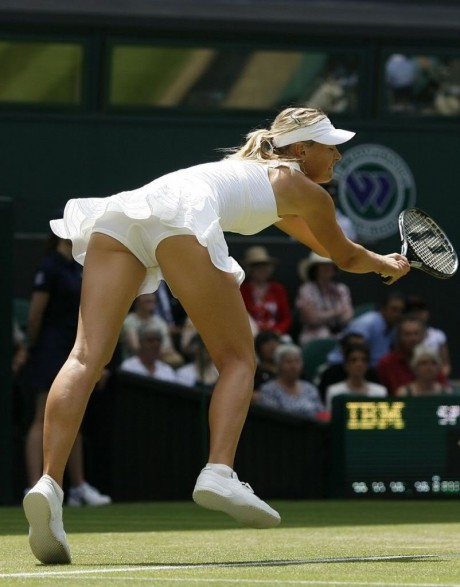 Sharapova flaunts flesh in skimpy outfit