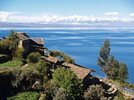 Titicaca, world's highest lake, at risk