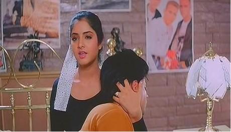 Divya Bharti and SRK in Deewana