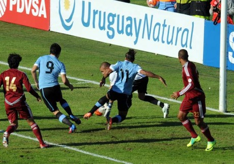 Uruguay go second in FIFA world rankings