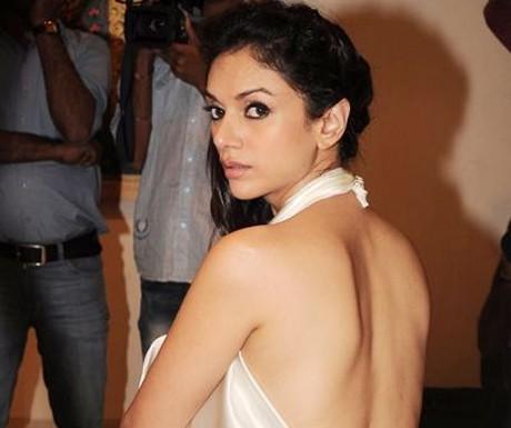 I can't date Ranbir Kapoor: Aditi