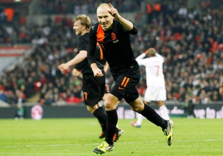 Relieved Robben answers critics in style