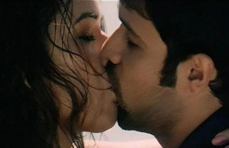 I don't mind being the outcast: Emraan Hashmi
