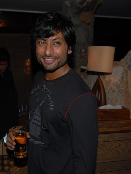 FOUND!! Vidya's lost husband!