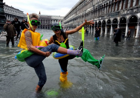 Venice continues to sink slowly