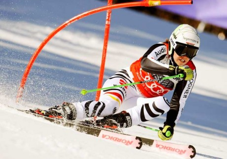 Rebensburg wins 2nd straight giant slalom
