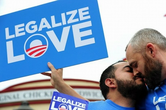 Gay Marriage Legalized in 2 U.S States