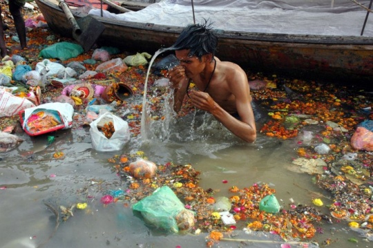 Is this a Rs 12000 Crore Yamuna Cleanup Scam?