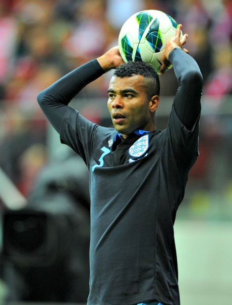 Ashley Cole fined by FA for Twitter insult