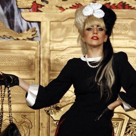 Gaga's 'blood and semen' perfume becomes No. 1