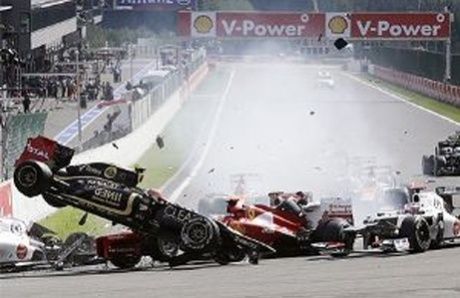 F1: Alonso and Hamilton crash out of Belgian Grand Prix