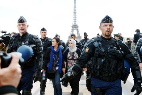 France deploys riot police to ban rallies