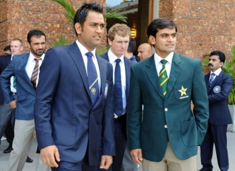 Mohammad Hafeez and Dhoni