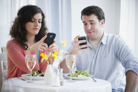 Your cell phone can ruin your relationship