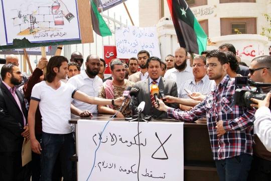 Anti-Gaddafi Gunmen Up in Arms in Libya