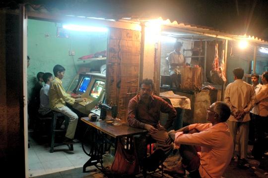 Computers, Internet Make Way Into Punjab Slums