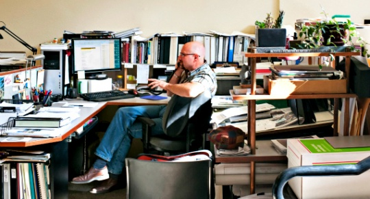 Messy Desks Promotes Creative Thinking