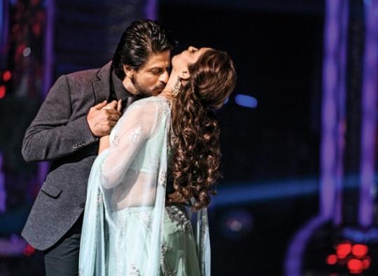 Shah Rukh Khan, Madhuri Dixit