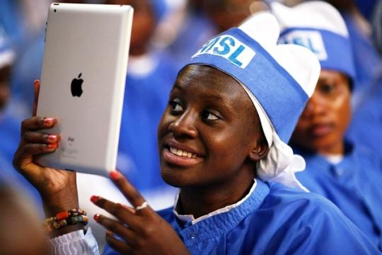 Apple To Introduce Thinner iPad