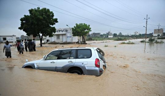 53 Dead in Heavy Rain in Pakistan