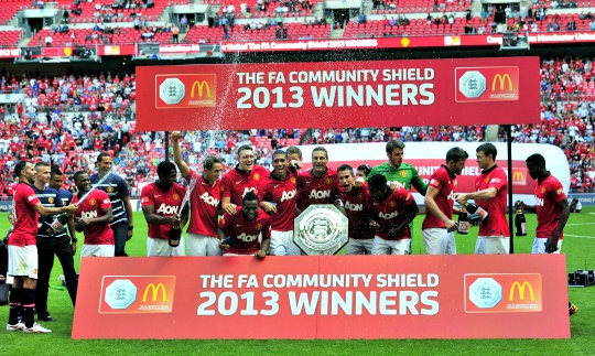 RVP Gives Moyes First Trophy at United