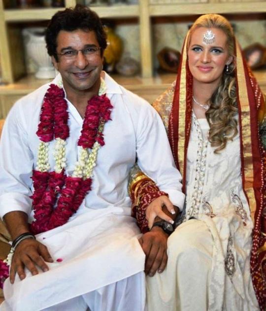 Wasim Akram Marries Shaniera Thompson