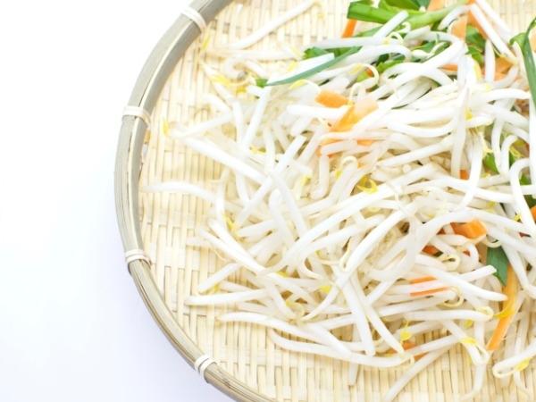Quick Healthy Salad: Nutty Sprouts Salad Recipe