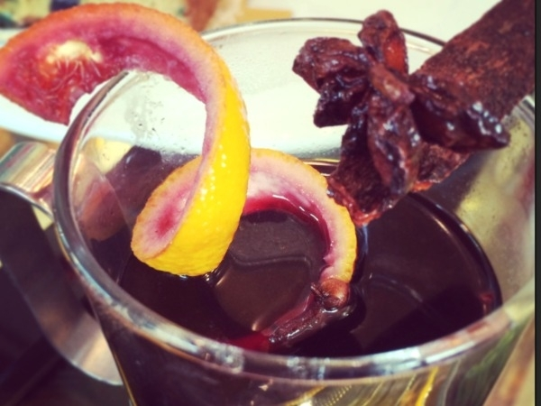 Healthy Drink Recipe: Jaggery Mulled Wine (Christmas Special)