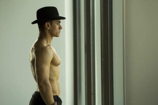 Aamir Khan wears bowler hat in Dhoom 3