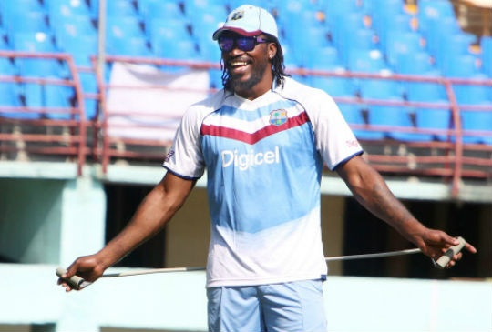 Chris Gayle offers Dating tips.