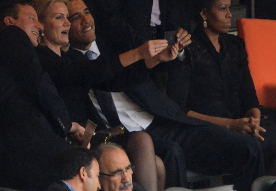 Obama, Cameron, Danish PM Pose For Selfie
