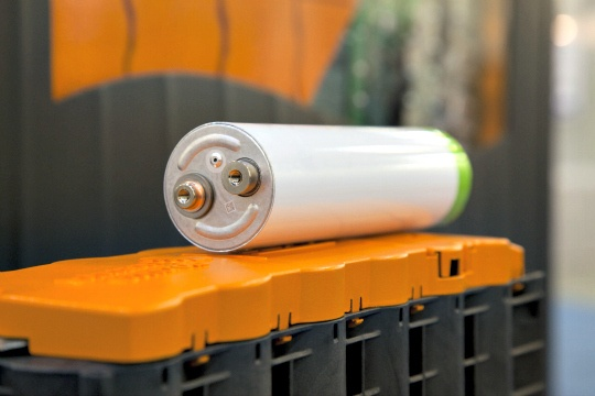 Lithium-Ion Battery That Charges in 10 Minutes