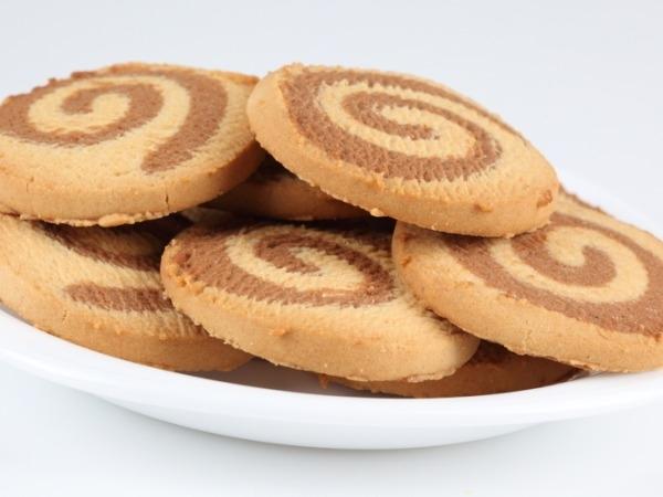 Dessert Recipe: Nut Cookie Sandwich