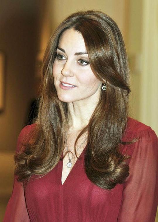 Pregnant Kate Middleton's Bikini Pics Published
