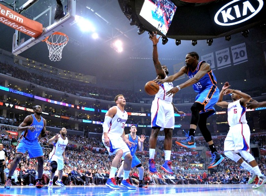 Durant Leads Thunder Over Injury-hit Clippers