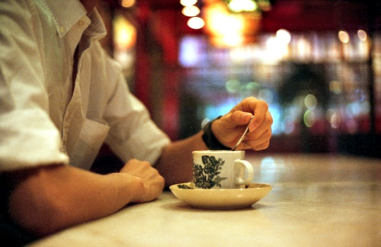 Men who consume the most caffeine are more likely to suffer from incontinence as compared to those who drink the least, researchers say.