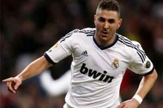 Real Beat Valencia 2-0 to Close on Semis