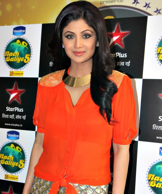 Shilpa Gets Emotional on 'Nach Baliye 5' Set