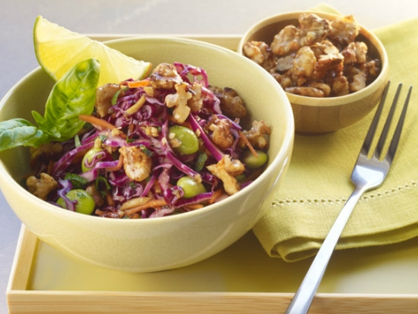 Healthy Snack : Red Cabbage Salad With Tamari Toasted Walnuts