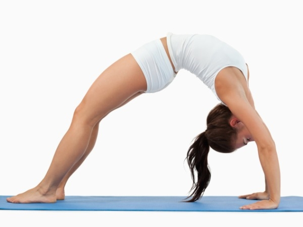 Workout Video: Chakrasana For Abs And Triceps
