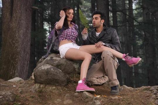 Evelyn Sharma, Ranbir Kapoor in Yeh Jawaani Hai Deewani