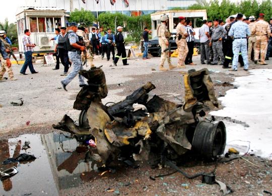 Bombs, Clashes Kill 54 in Iraq