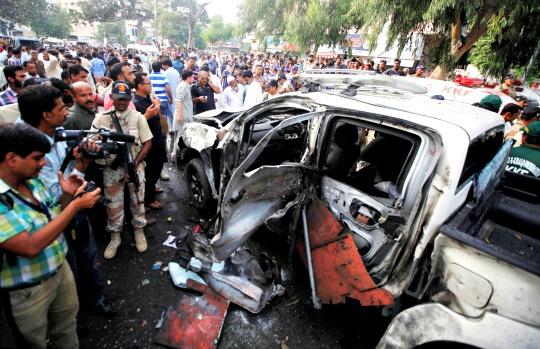Pak Militants Storm ISI Office, 8 Dead