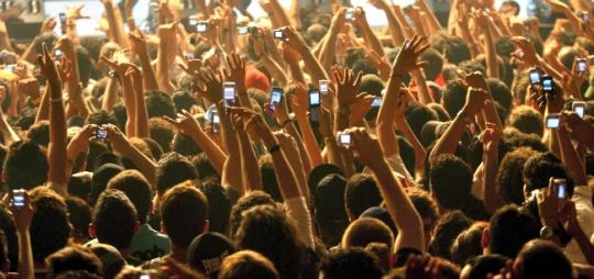 Smartphones: Congress' New Poll Weapon