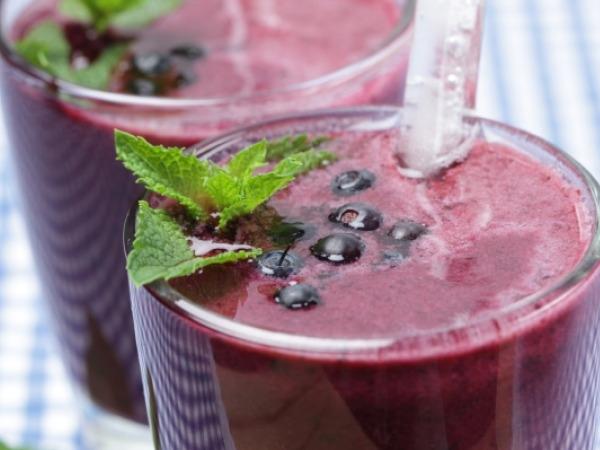Smoothie Recipe for Detox: Easy Mixed Berry Smoothie