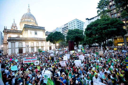 800,000 Protesters March in Brazil