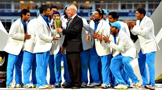 MS Dhoni Hails India's Champion Spirit