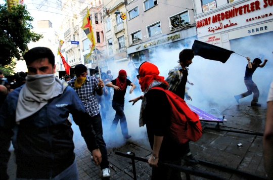 Clashes Rage for Second Day in Turkey