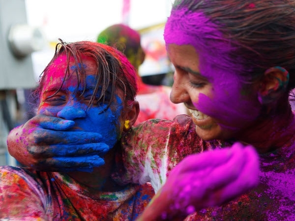 Skincare: Your Dermatologist's Guide To Playing Holi!