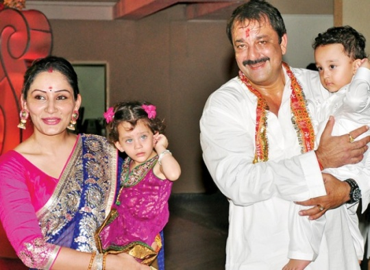 Sanjay Dutt with wife Maanyata and their twin kids